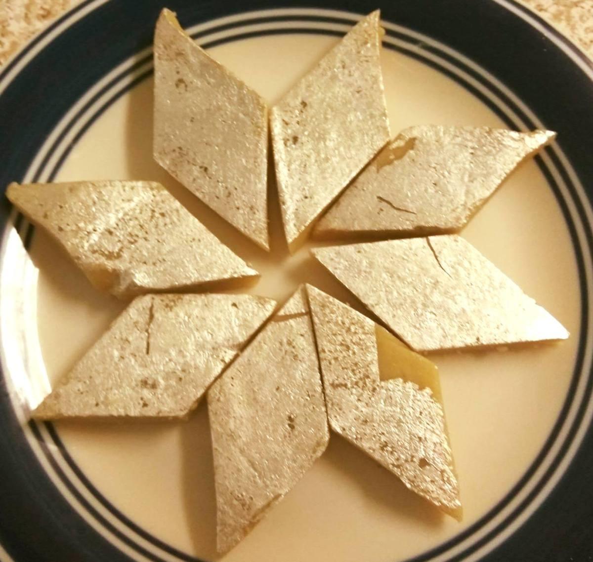Recipe – Kaju Katli / Kaju Barfi / Cashew Sweets