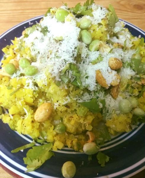 Recipe – Green Peas Coconut Poha / Hara Matar Nariyal Poha